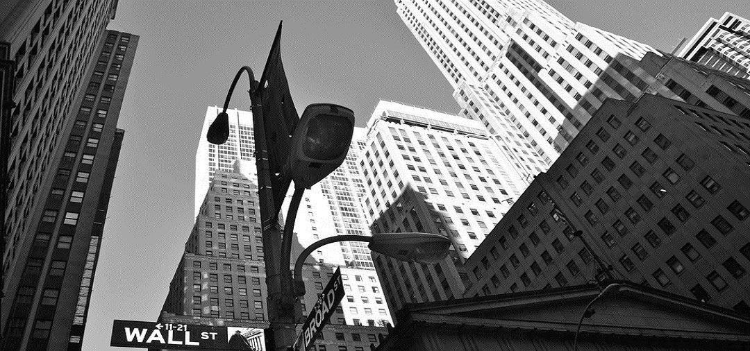 在英国、美国或香港发行证券和上市的要求